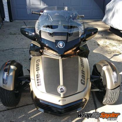 Le-Mans-Racing-stripe-&-Can-am-text-carbon-fiber-Black