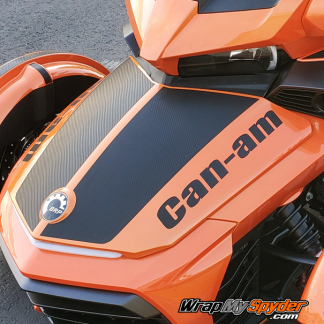 Can-am-text-with-optional-Le-Mans-racing-stripe-in-Carbon-Fiber