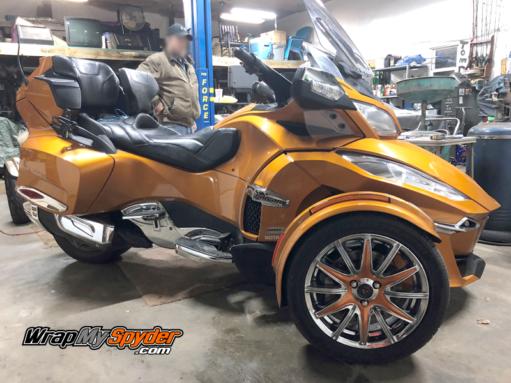 Spyder RT-wheel-kit- in cognac color