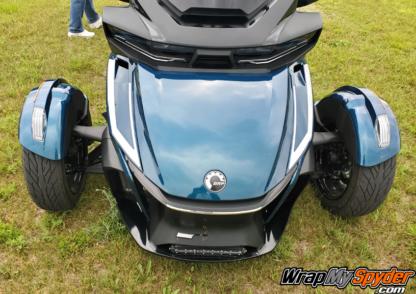 2020+-Can-am-Spyder-RT-Intake-Accent-insert-silver-metallic