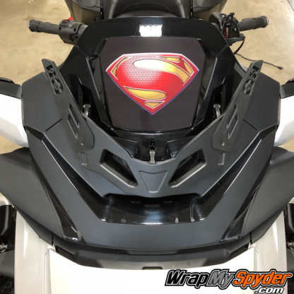2020-Spyder-RT-Windshield-Plate-logo-Superman