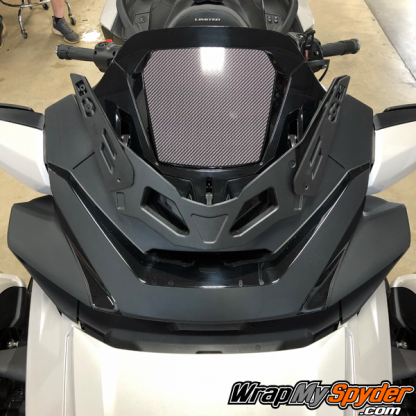 2020+-Spyder-RT-Windshield-Plate-logo-Digital-Carbon-Fiber